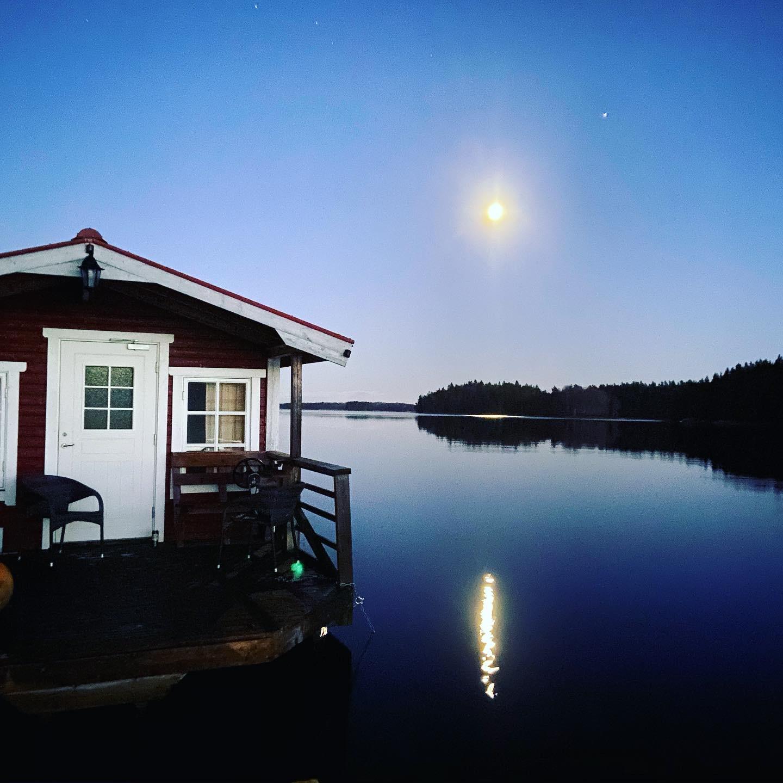 Husflotten Maja i Månskenet